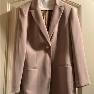 Jones two piece beige size 8 PT suit beige